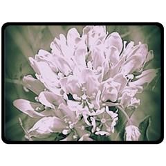 White Flower Fleece Blanket (large)